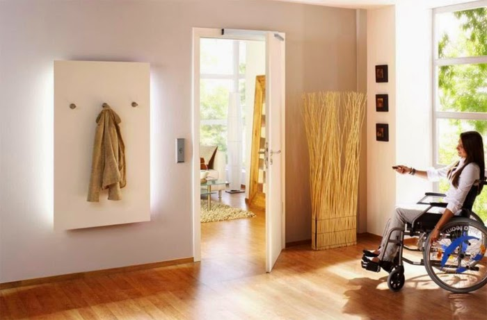 ¿Cómo puede ayudar un sistema domótico a personas con discapacidad?